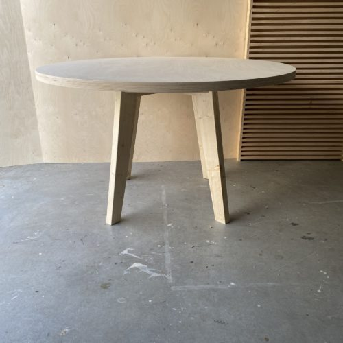 woodchuck table round